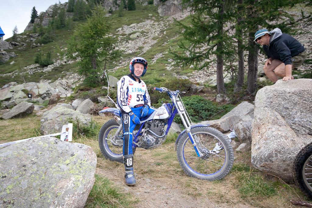 Nigel Greenwood ritratto alla Tre Giorni Valtellina 2012 in sella alla sua Honda